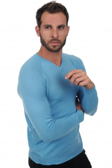men v-necks spike
