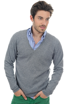 Cashmere  men basic sweaters at low prices mong hv